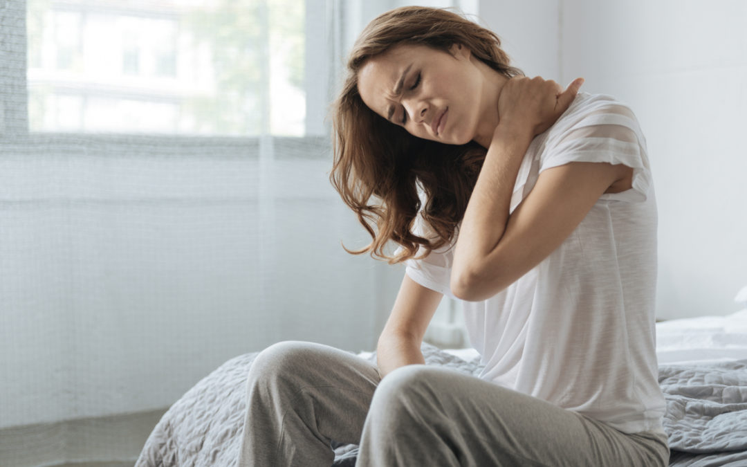 Neck Pain After Sleeping? Here's 4 Possible Solutions